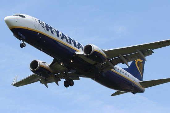 File photo of a Ryanair Boeing 737-800 (photo: ASN)