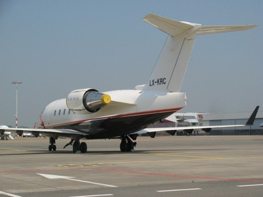 File photo of a Challenger 604 (H.Ranter/ASN)