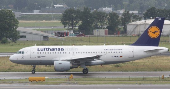 File photo of a Lufthansa Italy Airbus A319 (photo: H.Ranter/ASN)